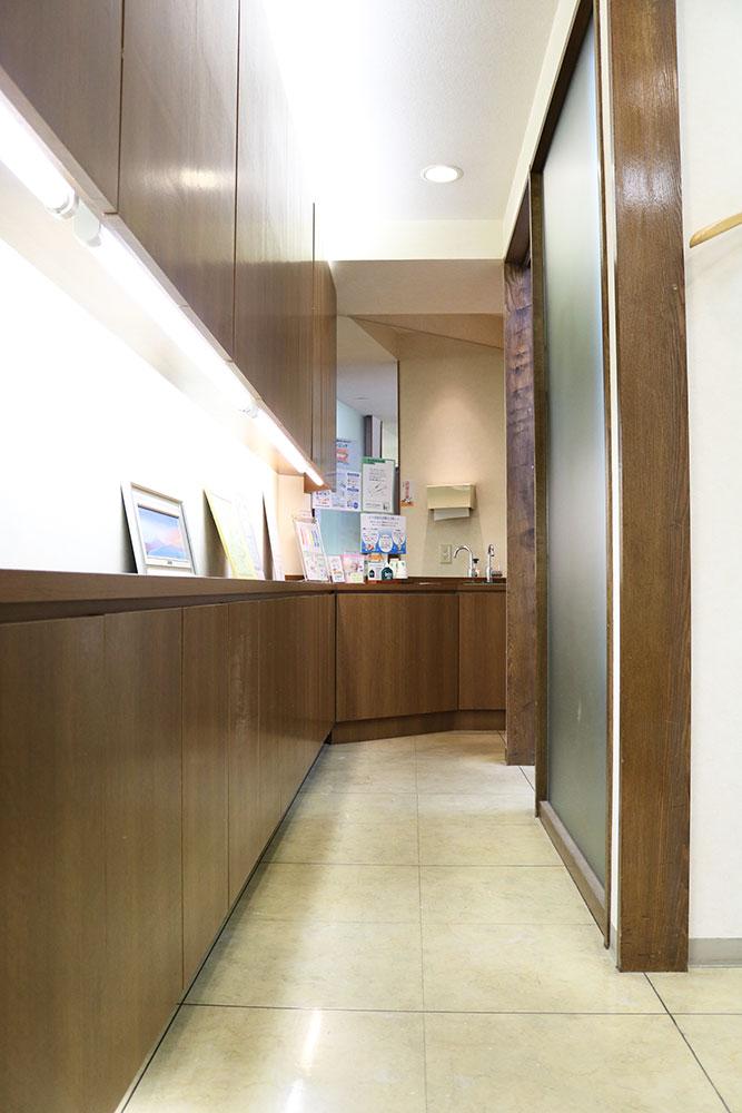 麹町歯科医院通路